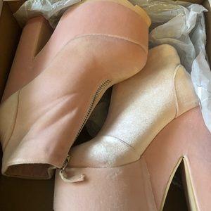 Velvet platform shoes